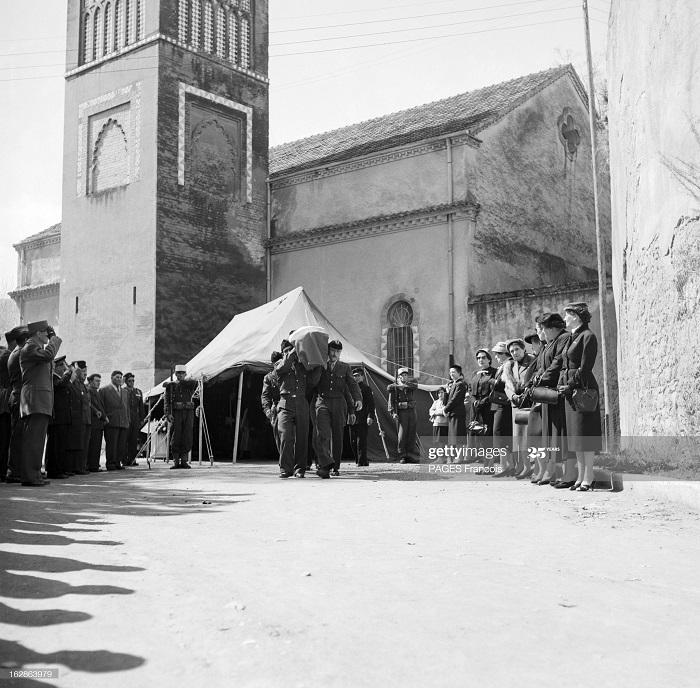 Оран регион война ферм похороны 17 апр 1956 Ф Паж.jpg
