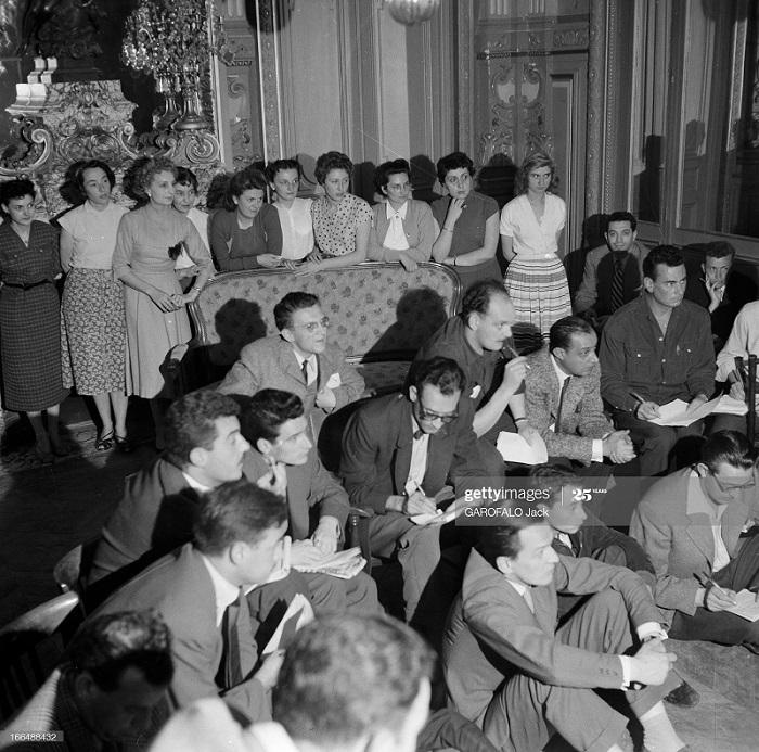 Сбежавшие пленники Алжир конф журналисты 4 июня 1955 Дж Гарофало.jpg