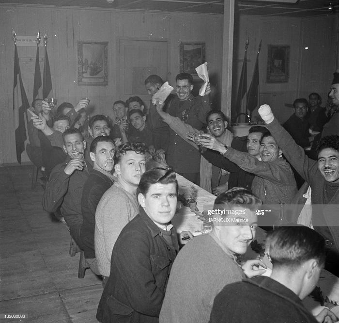 Возвращение раненых из Индокитая 1948 Морис Жарну3.jpg