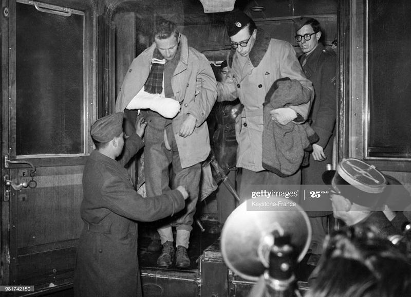 Раненые возвр в Париж на поезде 28 янв 1947.jpg