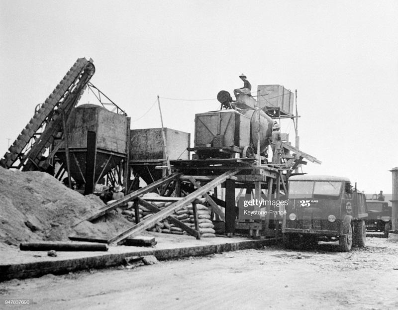 Бетономешалка в рег Хайфонга 1954.jpg