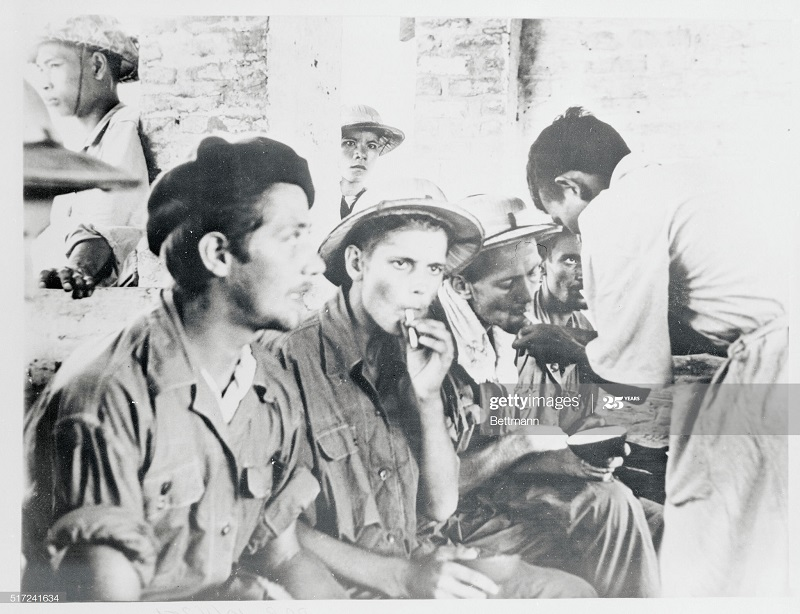 Первая сигарета на свободе 8 авг 1954.jpg