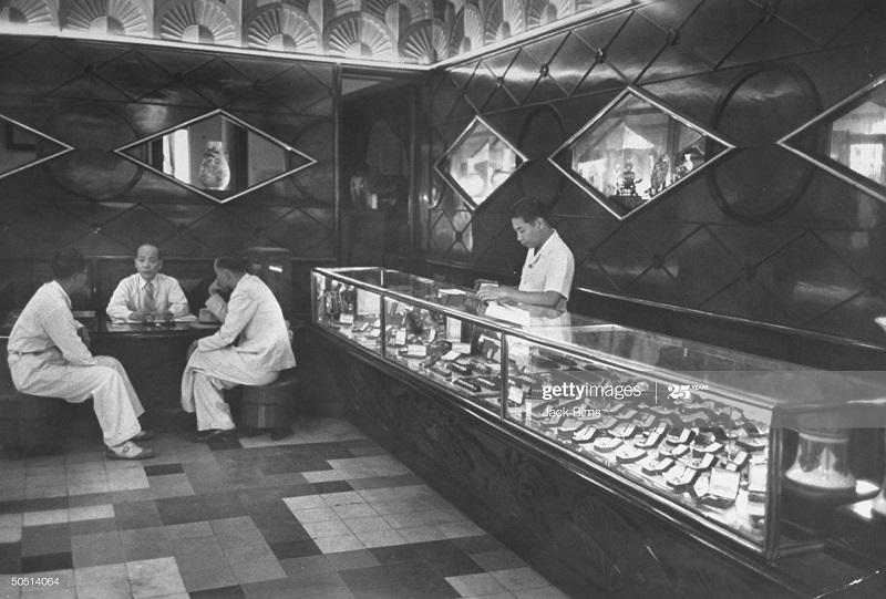 В лавке июль 1948 Джек Бирнс.jpg