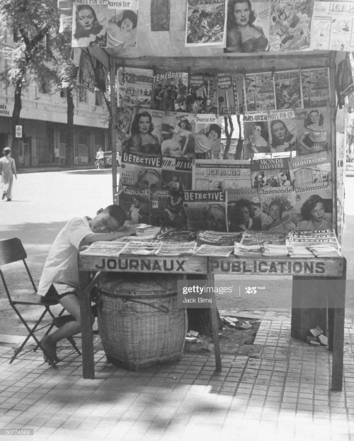 Продажа газет июль 1948 Джек Бирнс.jpg