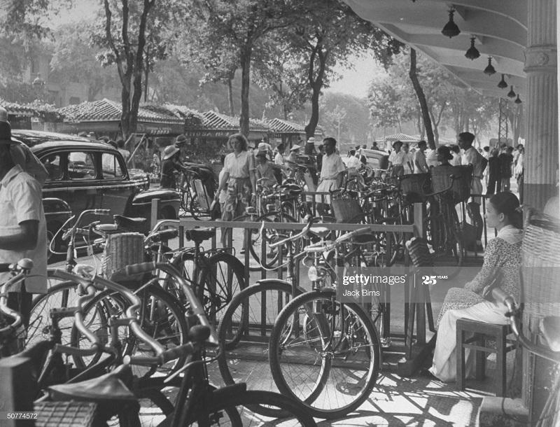 Стойки для велосипедов июль 1948 Джек Бирнс.jpg