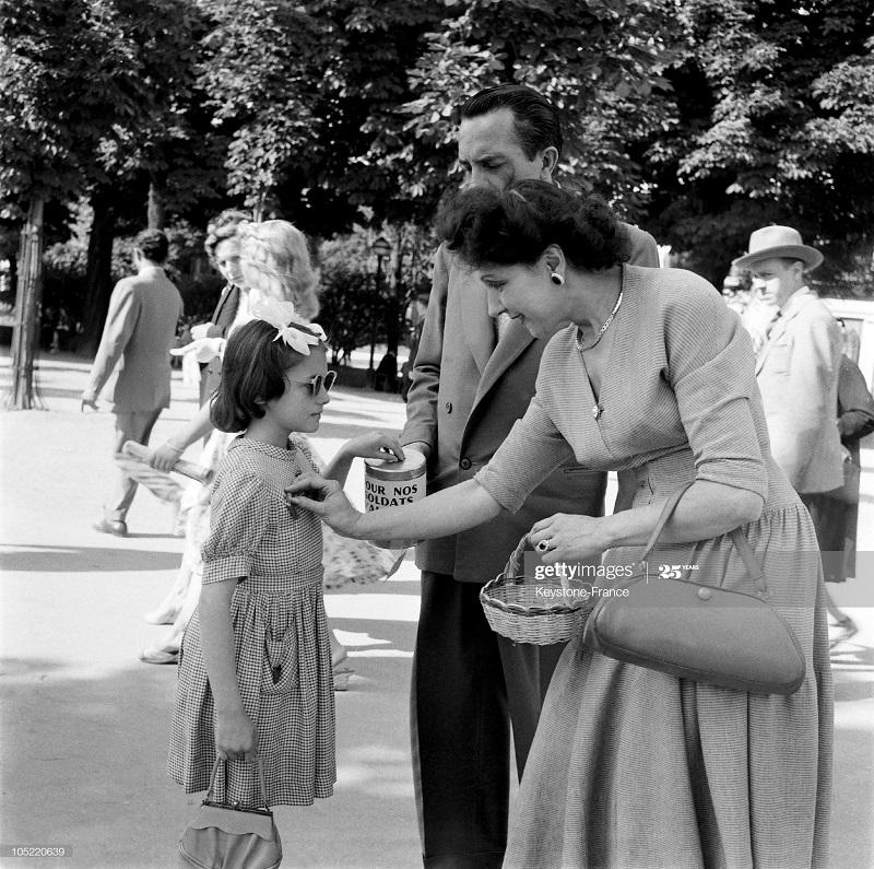 Сбор денег на солдат июнь 1956.jpg