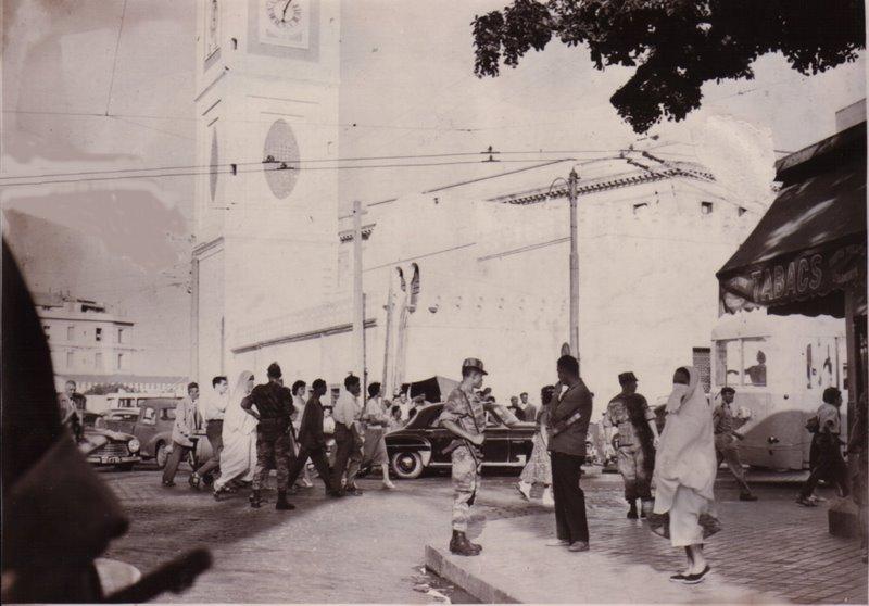 патруль в Алжире 1957.jpg