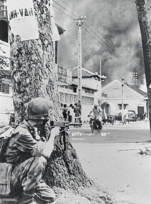 Фр солдат в Сайгоне 28 марта 1955 фигня.jpg