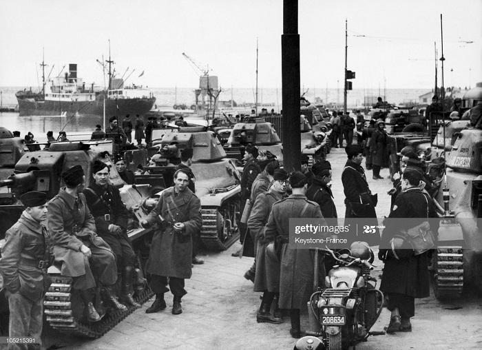 В порту Ниццы 22 фев 1952.jpg