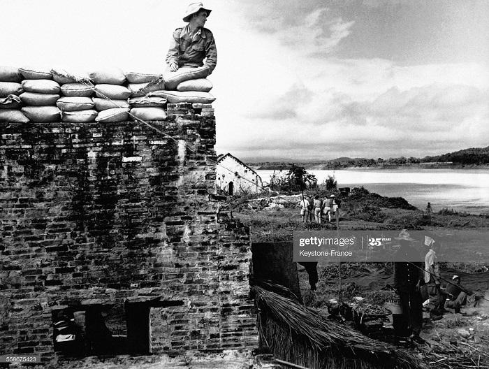 Солдат на посту в ТУ ВУ нояб 1951.jpg