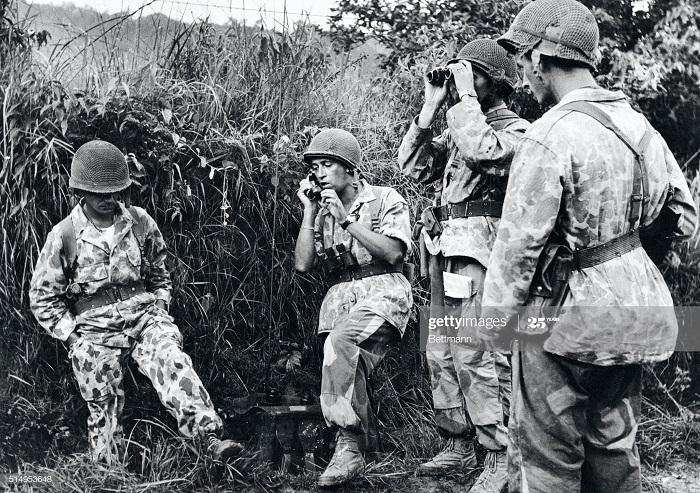 Радист в джунглях Лаоса 5 июня 1953.jpg