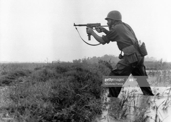 Солдат на рисовом поле 18 июля 1953.jpg