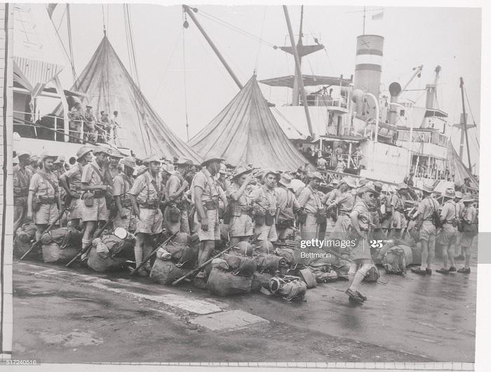 Солдаты 22 алж полка прибыли на Пастере в Сайгон июль 1954.jpg