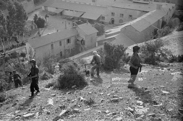 Батна патруль июнь 1955 ф паж.jpg