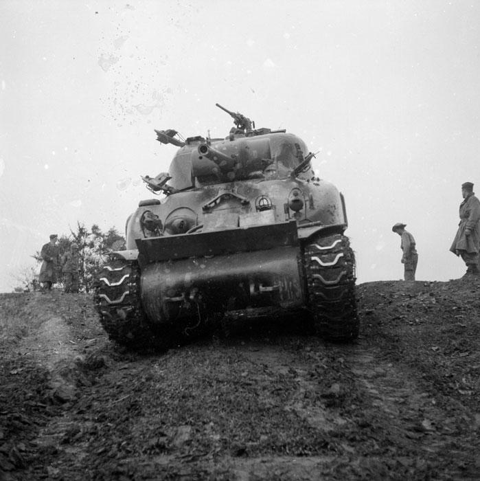 танк в Ту Ву янв 1952 4.jpg
