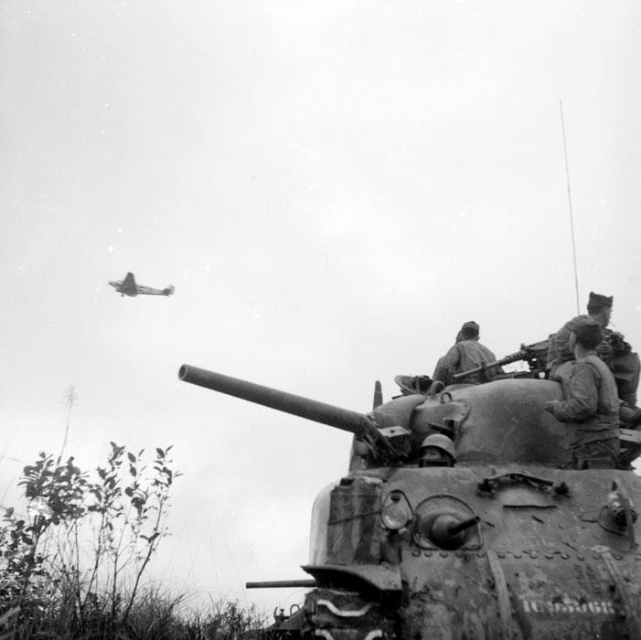 танк в Ту Ву янв 1952.jpg