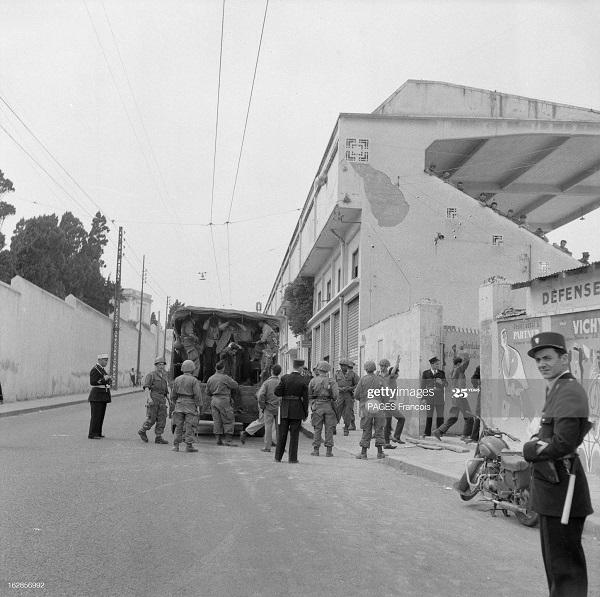 Алжир город в касбе операция по контролю 26 мая 1956 Ф паж3.jpg