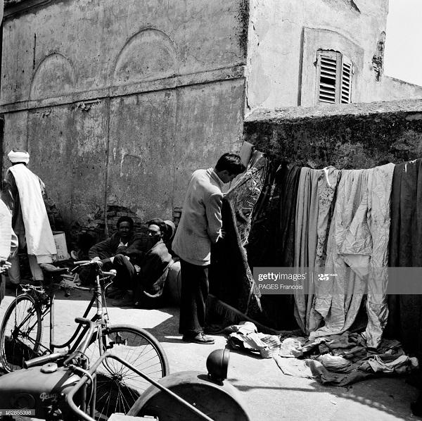 Алжир город в касбе операция по контролю дом и торговец 17 мая 1956 Ф паж.jpg