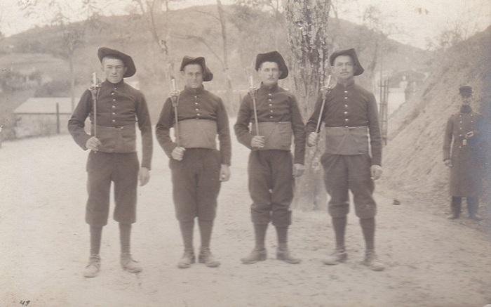 Форт насьональ солдаты алп стр.jpg