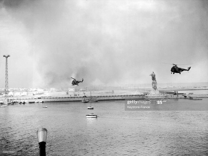 вертолету и статуи Фердинана де лессепа 12 нояб 1956.jpg