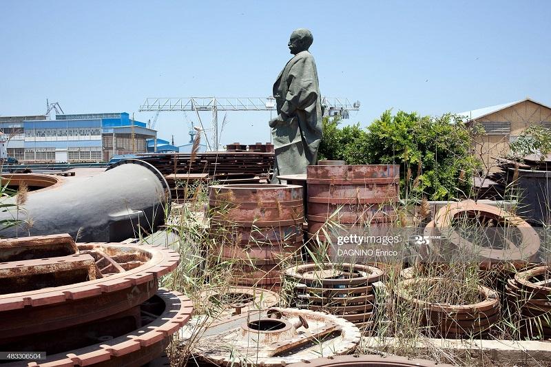 статуя Ф де лессепа 8 июля 2015 Энрико Дагнино.jpg