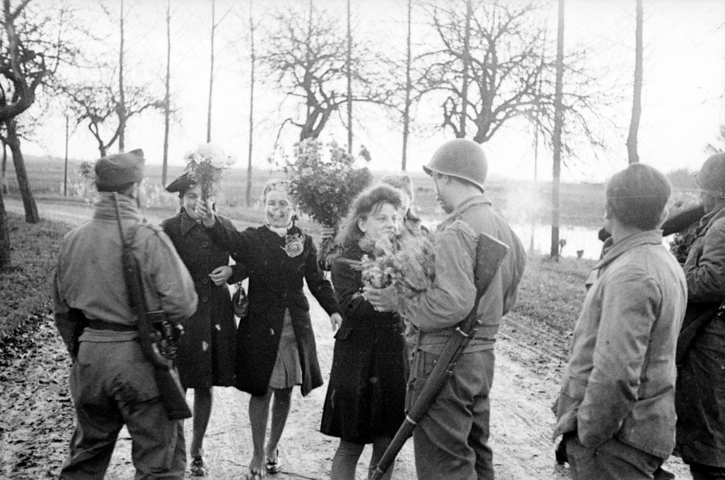 Теплый прием жит Эндисайма солд 2 БД нояб 1944 Белен Ленна.jpg