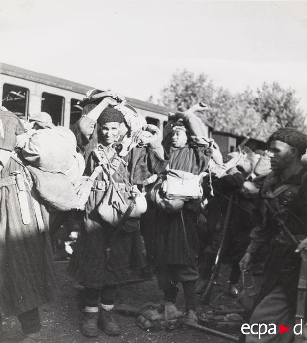 Гумье на вокз в Понте Леччиа сент 1943.jpg