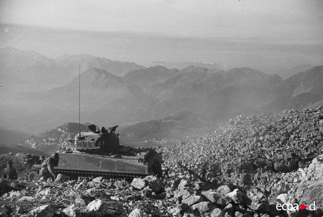 02 Шерман янв 1944.jpg