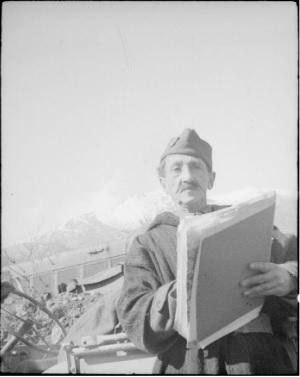 Жуанно в Италии март 1944.jpg