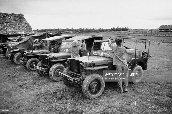 Джипы трофеи ВМ июль 1954 Говард Сохурек.jpg