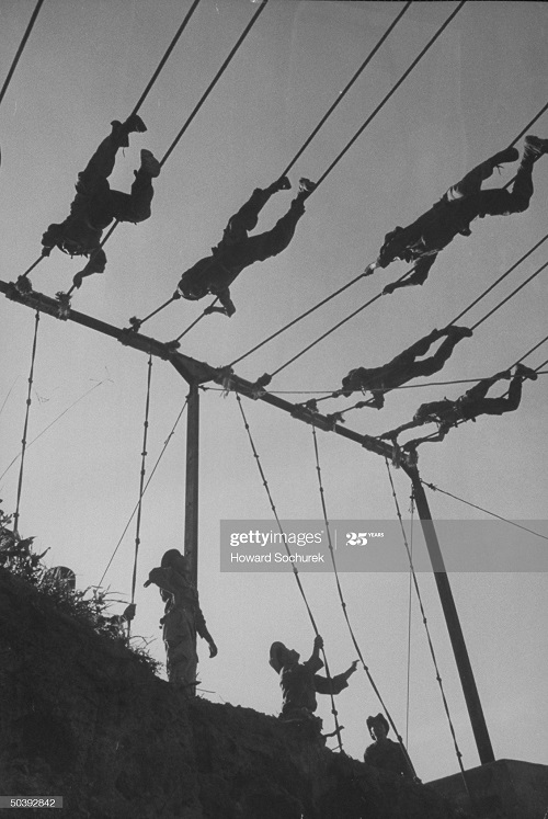 Солдаты гос Вьетнам тренируются июнь 1954 Говард Сохурек.jpg
