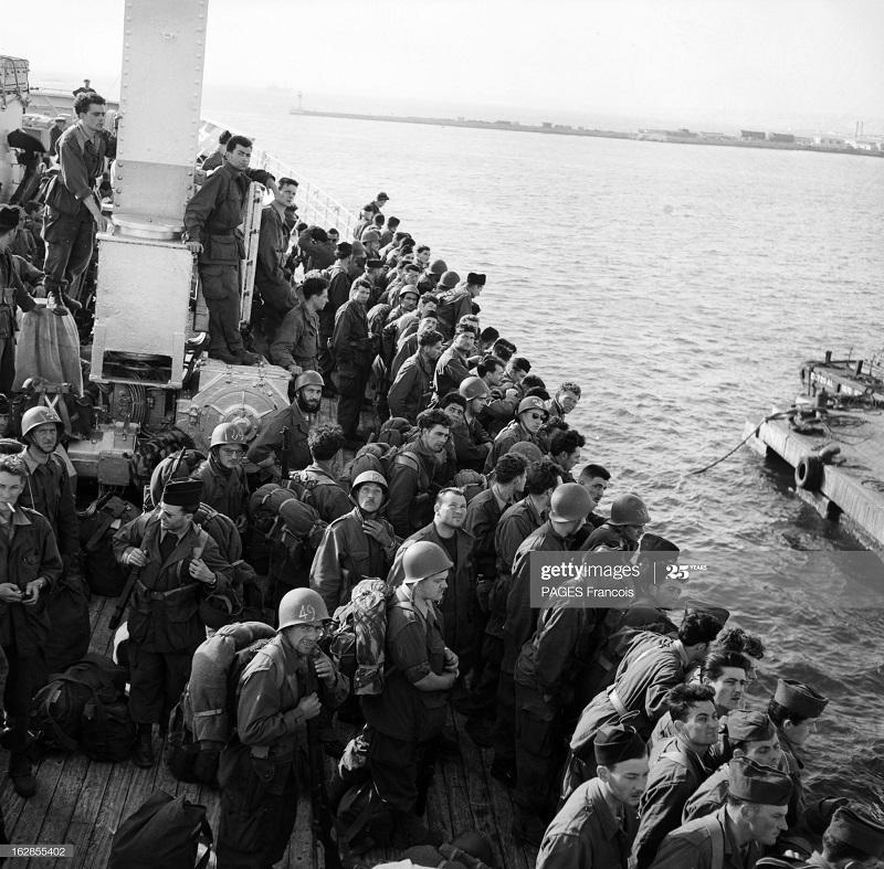 В Тлемсене Прибытие резервистов  на корабле город Оран 14 июня 1956 Ф паж.jpg