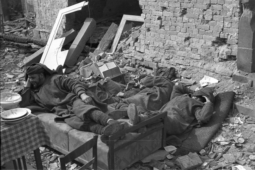 Гумье 2 пех алж див в Бухельберге март 1945.jpg