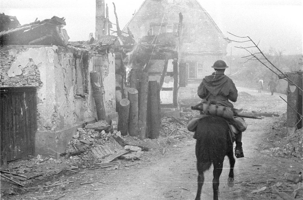 Гумье в Бухельберге март 1945 2.jpg