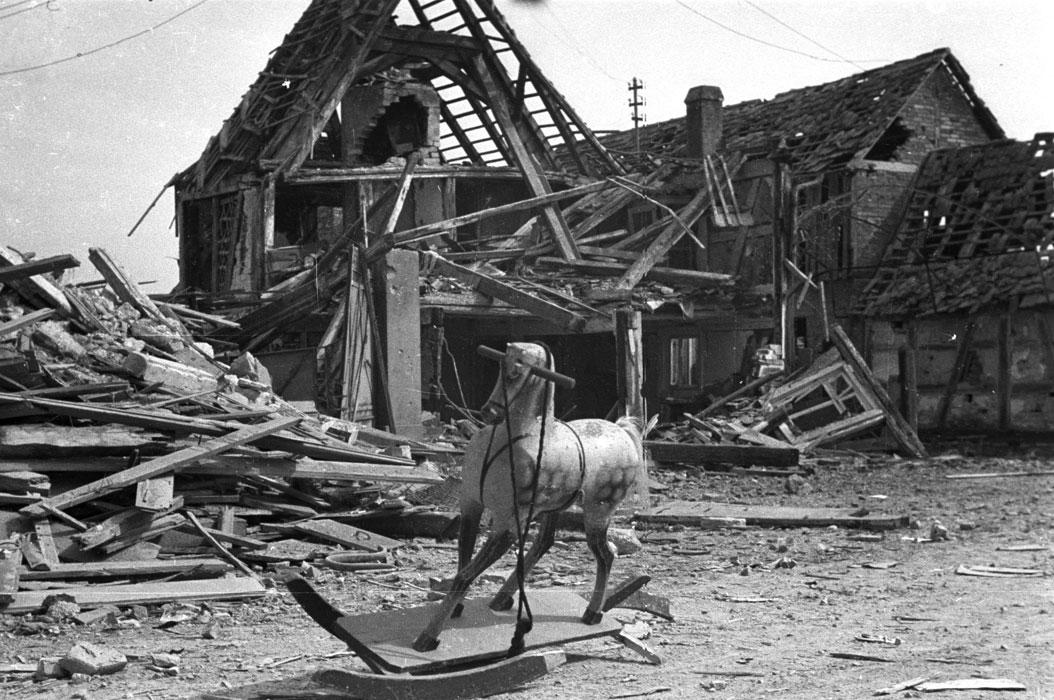 Немецкая деревня Бухельберг март 1945.jpg