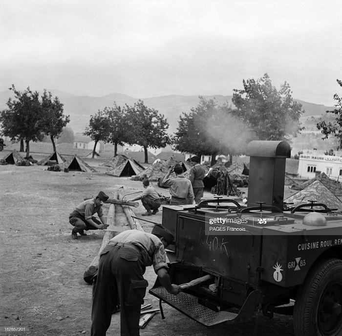 В Тлемсене Алжир Город Резервисты приб на кор Город оран 14 июня 1956 Ф паж6.jpg