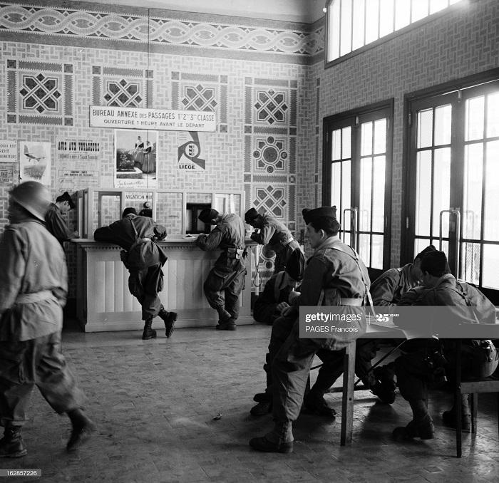 В Тлемсене прибытие на кор Город Оран в г Алжир 14 июня 1956 Ф Паж на автовокзале.jpg