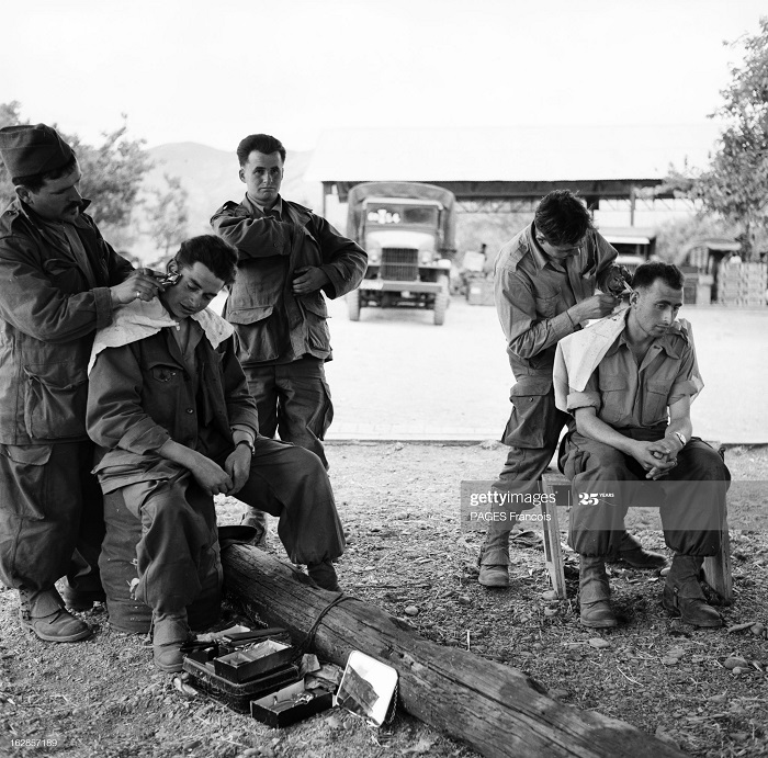 В Тлемсене резервисты 14 июня 1956 Ф Паж2.jpg