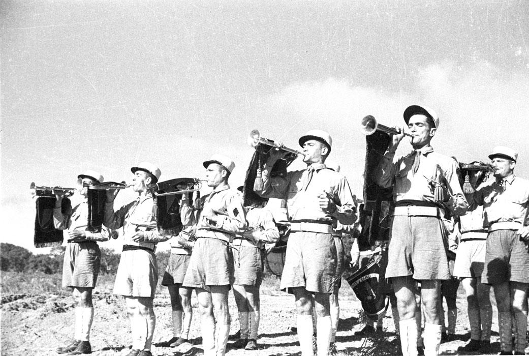 Торж постр 1 РЕК музыканты окт 1943.jpg