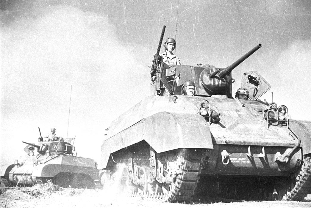 Торж постр 1 РЕК танк ам Стюарт окт 1943.jpg