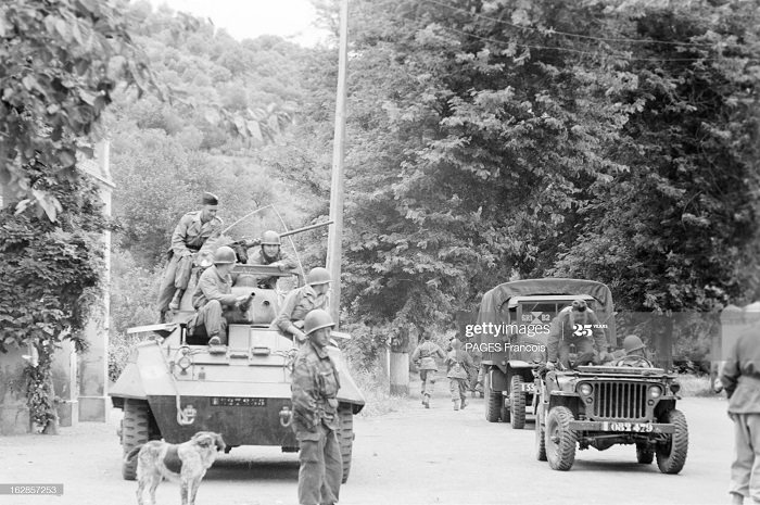 В Тлемсене Алжир Город Резервисты приб на кор Город оран 14 июня 1956 Ф паж8.jpg
