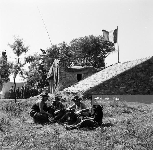 В Тлемсене резервисты радисты 14 июня 1956 Ф Паж 2.jpg
