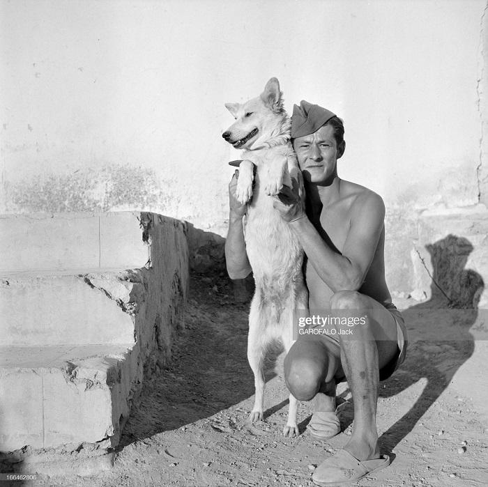 с собакой 9 июля 1955 Дж гарафало.jpg