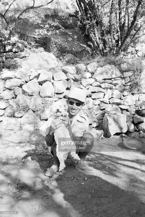 с собакой 9 июля 1955 Дж гарафало 3.jpg