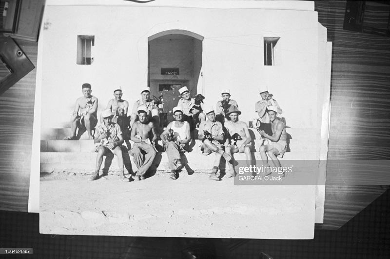 фото легионеров с питомцами 9 июля 1955 дж гарафало.jpg