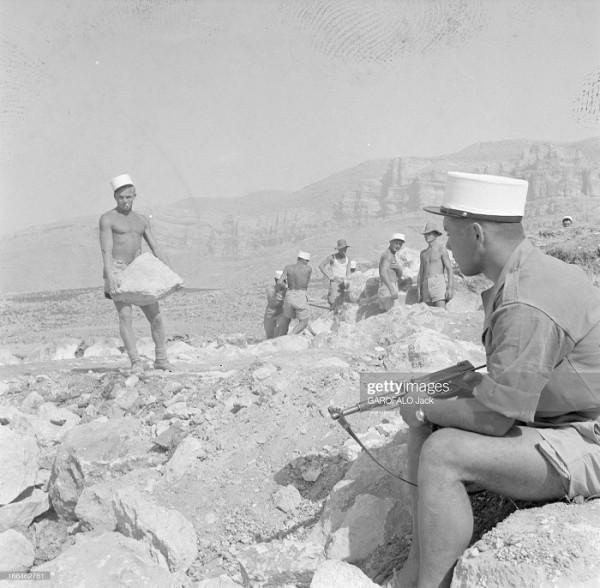 Легионеры в Оресе в июле 1955 года - 2. Строительство лагеря