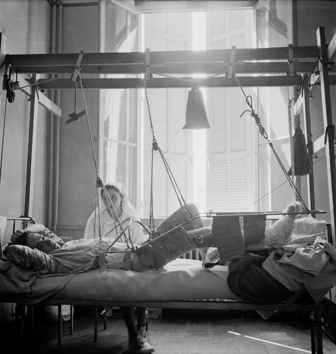 кровать Рувилуа для сращивания костей.jpg