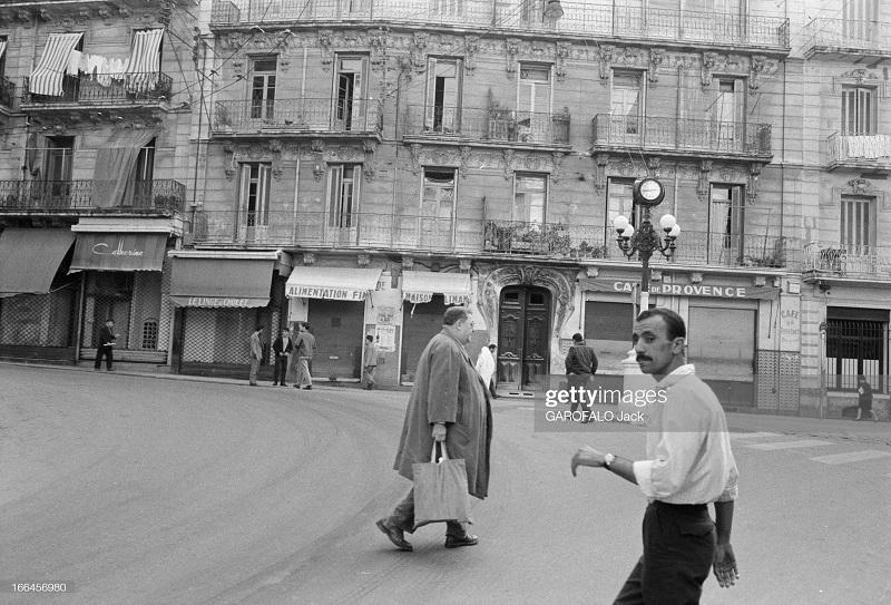 Площадь Труа орлож 30 нояб 1962 дж гарафало.jpg
