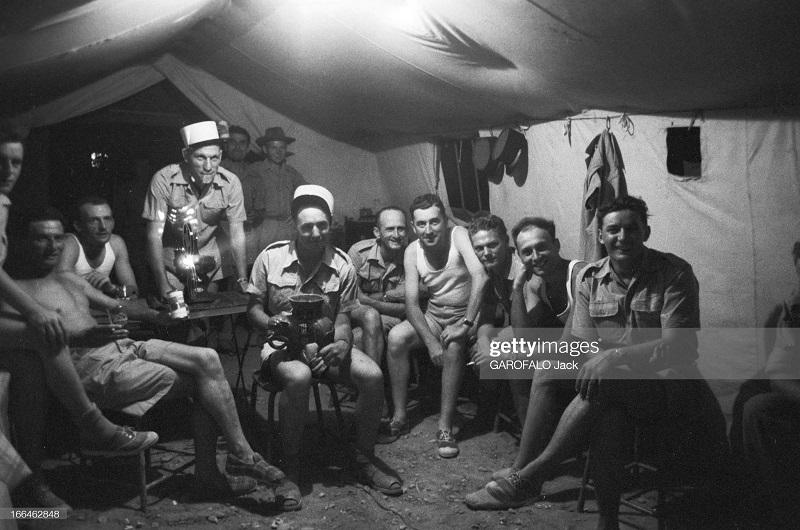 в палатке 9 июля 1955 Дж гарафало 2.jpg