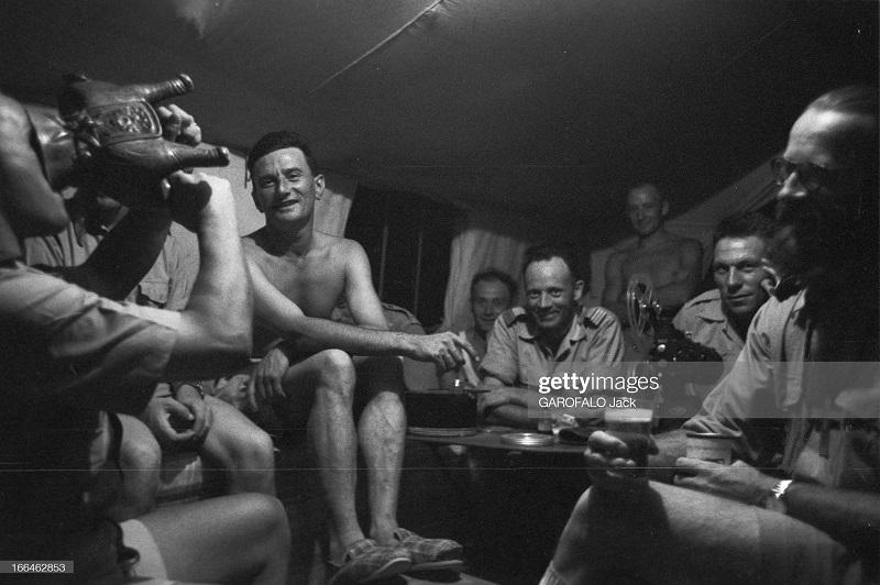 в палатке 9 июля 1955 Дж гарафало.jpg